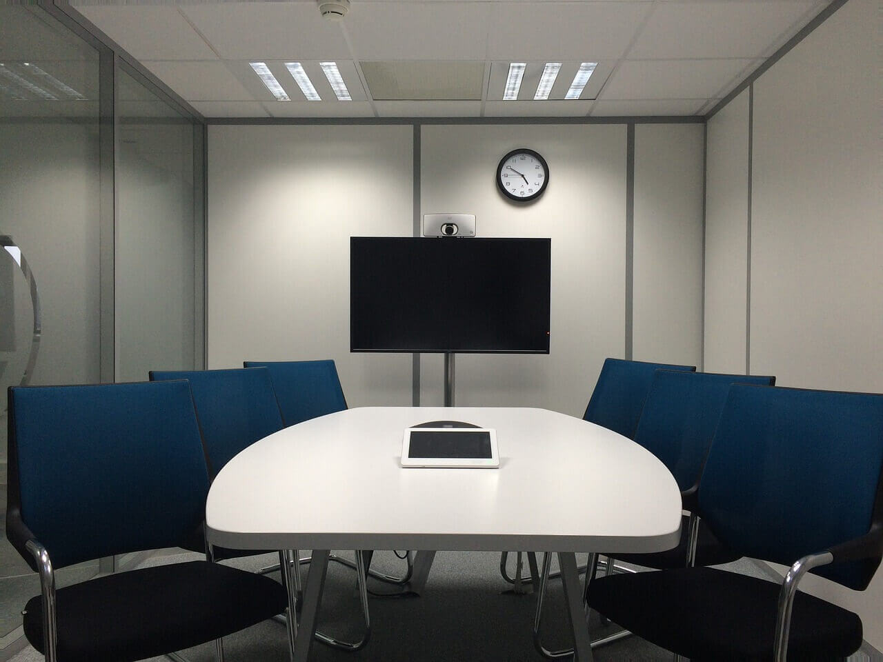 Video Conferencing Etiquette - Room for Video Conferencing